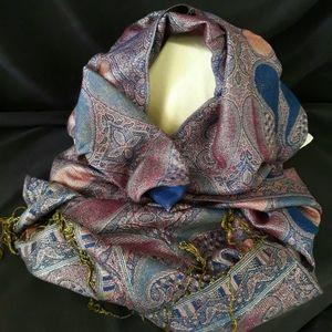 NWOT Blue Pashima Shimmering Silk Blend Wrap